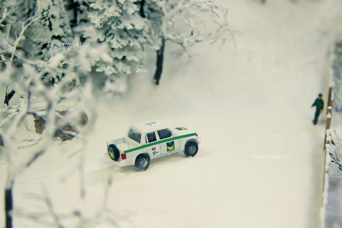Model of jeep in the winter