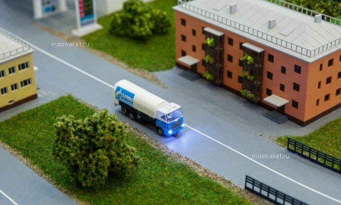Truck movement on the model