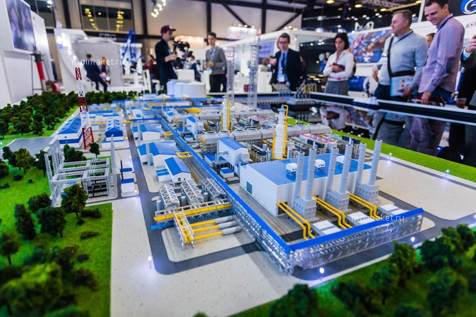 LNG facility model in a large size